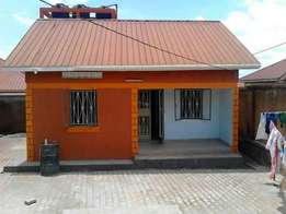 world class super self contained double for rent in kyaliwajara at200k