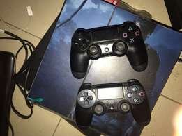 Ps4 and 2 pads