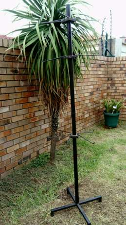 Tall Display Stand with 12 detachable hooks Witbank - image 1