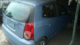 2008 very sound and sharp Kia picanto with factory chilling ac
