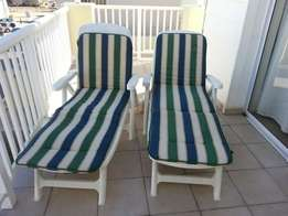 3 deck chairs