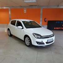 2007 Opel Astra selling as a tow away
