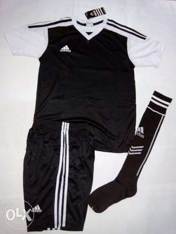 adidas football uniforms (jersey+shorts+socks) Nairobi CBD - image 5