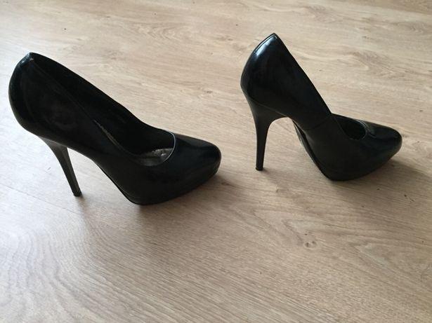 Туфли чёрные на каблуке туфельки 35 размер туфлі лакові Рівне - зображення 4 79edaf546e128