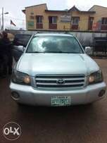 Toyota highlander 2004 model available for sale