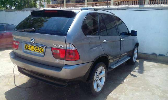BMW X5 2005 Very Clean in Mombasa at 1.85M only!!! Mombasa Island - image 3