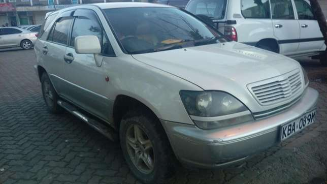 Toyota Harrier very clean inside & out accident free original paint Parklands - image 3
