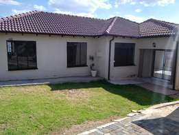 3 bedroom 2 outside rooms , double garage on sale Cosmo city R950 000