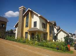 3 bedroom house with Sq to let in Muthithi Estates Kiambu road