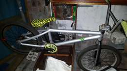 Bmx mongoose