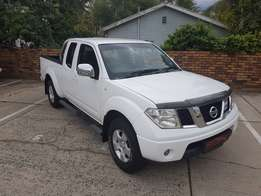 2013 Nissan Navara 2.5 XE 4x4 K/Cab available with only 105 000 Km