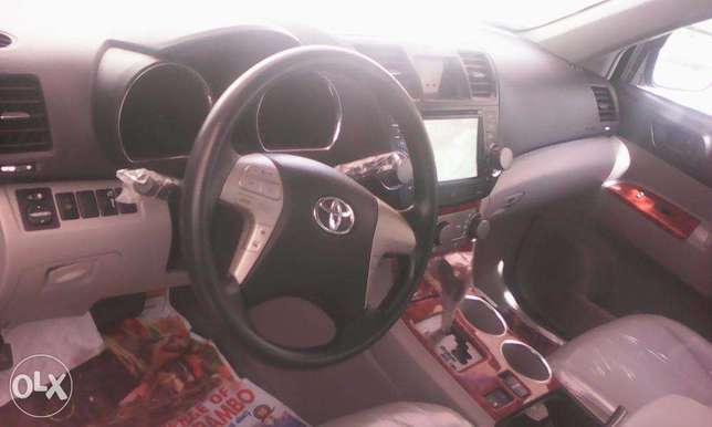 super clean tokunbo toyota highlander 2008 model for 5.2m Lekki - image 7