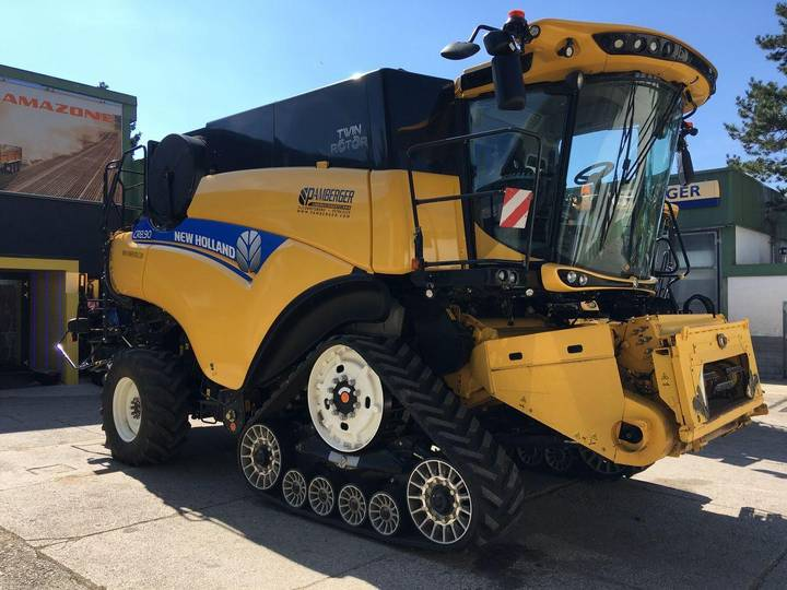 New Holland CR8.90 Elevation - 2017