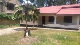 RAYOHPROPERTIES 2bedroom to let own compound