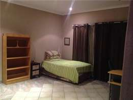 Bachelor flat in Pretorius Park