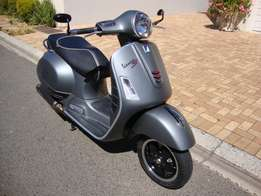 2015 Vespa GTS 300ie Super Sport ABS - Immaculate Condition