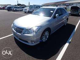 Toyota Crown Royal Saloon 2010 Model Automatic 2WD Silver Color KCN