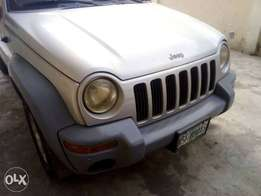 Liberty jeep 2004 for fast sell cheap