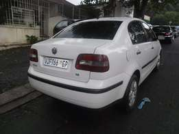 2007 White VW Polo classic 1.6 Sedan for sale