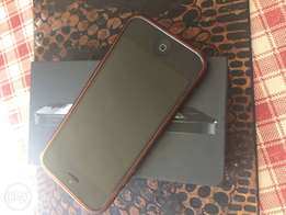 iPhone 5 16gb + box and accessories