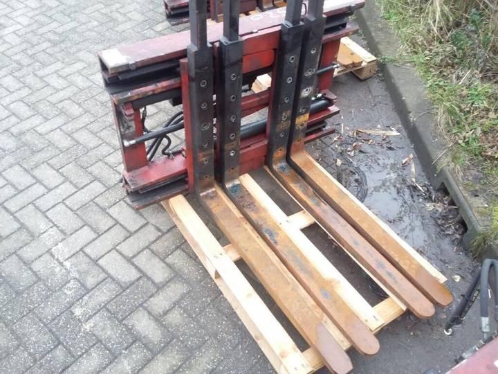 Bolzoni Double Pallet Handler DS25FKB - 2012