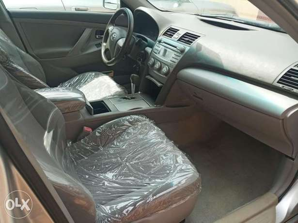 Urgent sales cheap Just landed clean 2010 Toyota Camry Benin City - image 3