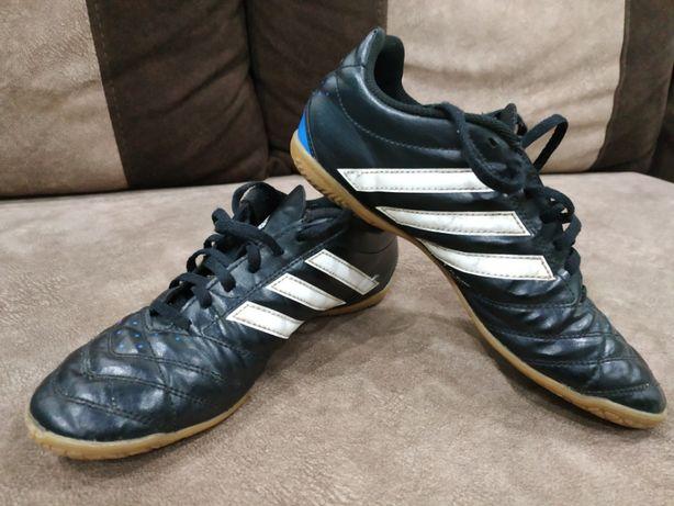 d51c49d96192f9 Футзалки Adidas: 300 грн. - Дитяче взуття Рівне на Olx