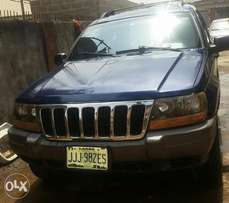 Cherokee Jeep 2002 (Super clran)