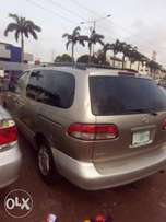 Out 4 grab Toyota sienna