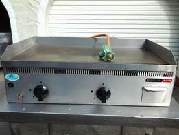 anvil gas flat top grillers 2 available one not used
