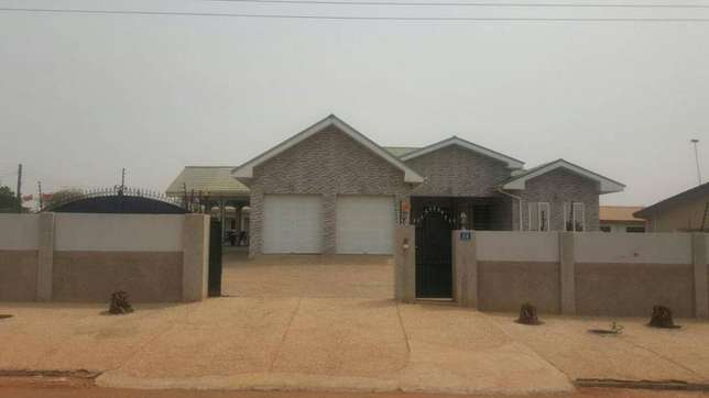 Furnished 5bedrooms house for sale at Tema community22 Tema Metropolitan - image 1