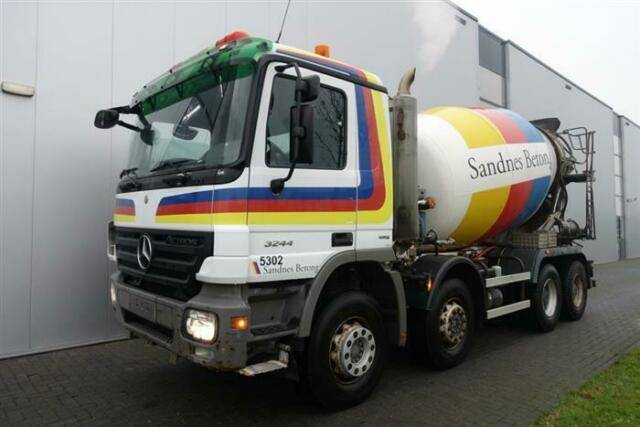 Mercedes-Benz ACTROS 3244 8X4 EPS FULL STEEL HUB REDUCTION CI - 2009