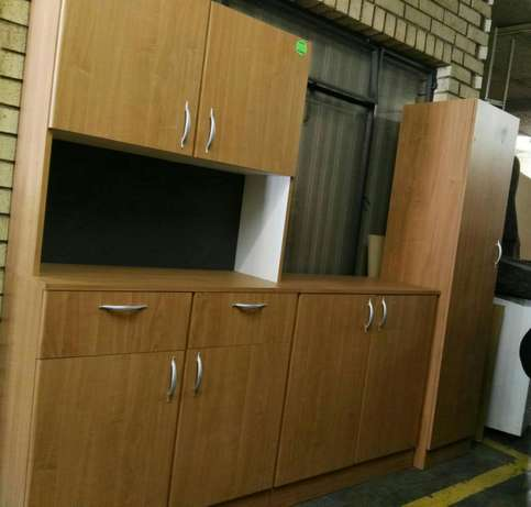Brown 3pc kitchen unit Rustenburg - image 1