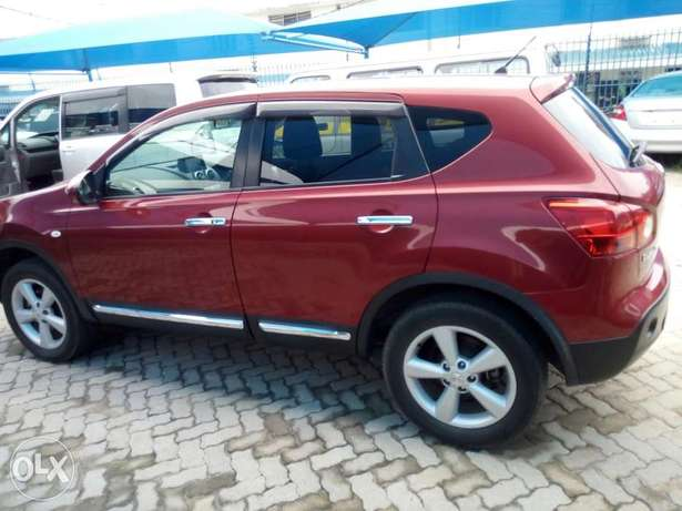 Red Nissan dualis New number Mombasa Island - image 4