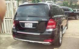 Clean And Good Mecedez Benz GL450 4matic 2011 Model On Offer