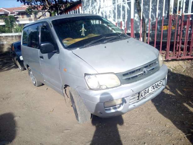 Quick sale Toyota townace South B - image 2