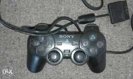 Ps2 pad in good working its only one