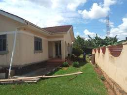 4bedroom house for rent in ntinda at $1500