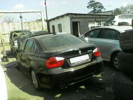 BMW 320i E90 08/09 model breaking for parts!