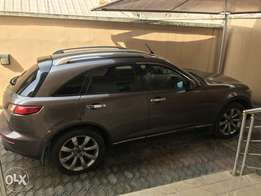 Neatly used 2004 Infiniti FX45 for sale