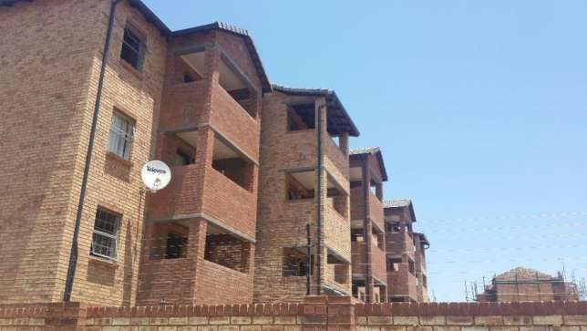 I am looking for a 3bedroom flats or house to rent in Centurion Cbd Clubview - image 1