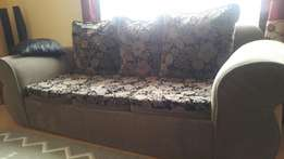 7 seater sofa set..in perfect condition.