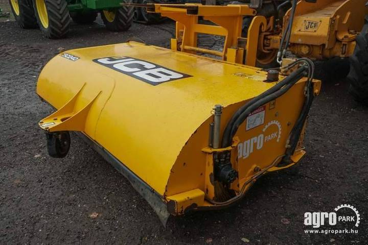 JCB Sc240, Sweeper Collector, For - 2014