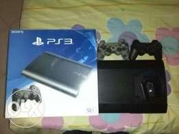 New Playstation 3 with 2 pads.