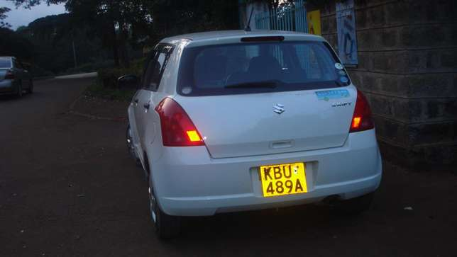 Suzuki SWIFT. Quick Sale. Excellent Condition. Lady owned. Very clean. South C - image 2