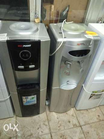 Hotpoint water dispenser with hot, cold ,normal water Nairobi CBD - image 2