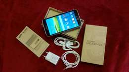Samsung Galaxy s5 with box and accessories.