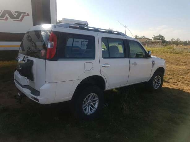 2013 Ford Everest Stripping for Spares Bloemfontein - image 3