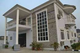 HOT DEAL !! Spaciously powerful duplex available for sale in River st