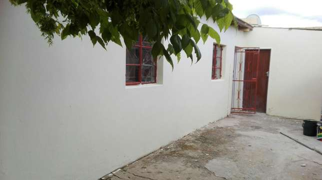2 room available for rental in Rocklands Mangaung - image 1